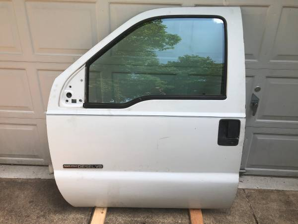 Photo Ford F250 F350 99-03 Super Duty LH Driver Front Door Shell White - $299 (Merchantville)