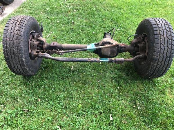 Ford F250 F350 99 Super Duty Front Axle 3.73 Dana 4x4 - $349 (Merchantville)