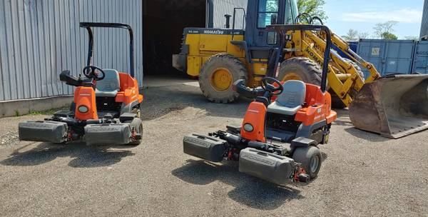 Photo Jacobsen Eclipse 322 Hybrid Electric Riding Fairway Greens Mower - $7,500 (New Haven)