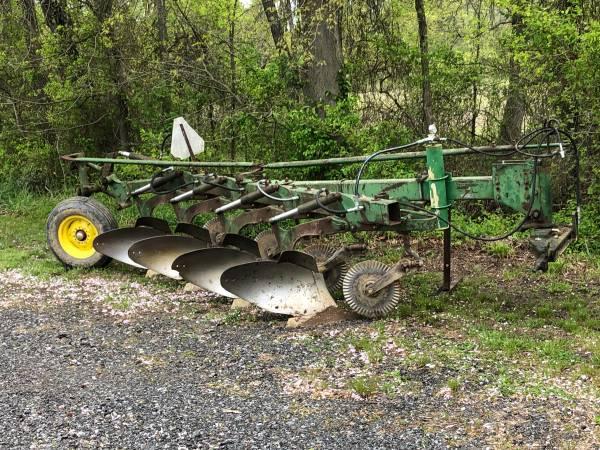 Photo John Deere 4 bottom plow - $750