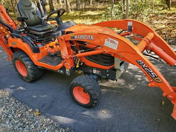 Photo Kubota BX25D TLB - $14,800 (Medford)