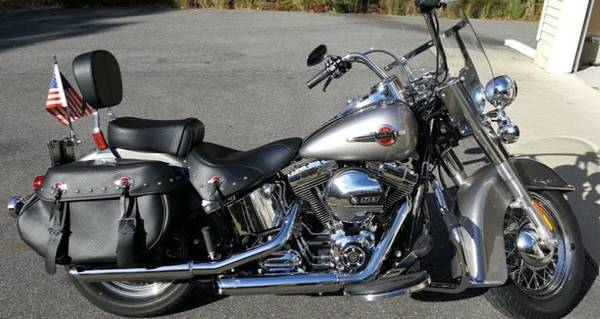 Photo LIKE NEW 2016 Harley Davidson Heritage Softail Classic - $14,495 (Egg Harbor Township)
