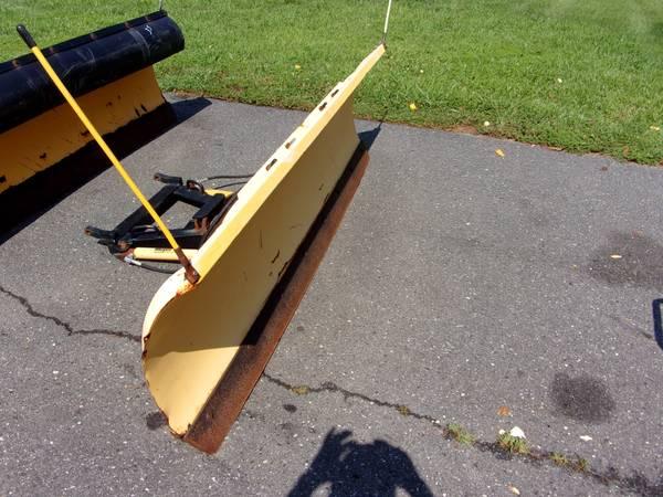 Photo Meyer Snow Plow C.8 Power Angle Blade 3 - $700 (Mullica Hill)