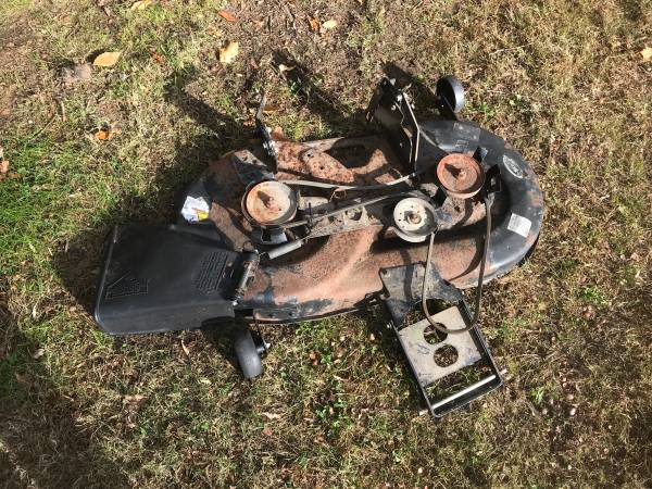 Photo Murray 42 Lawn Tractor Riding Mower Deck 42 Deck Parts - $50 (Mullica Hill)