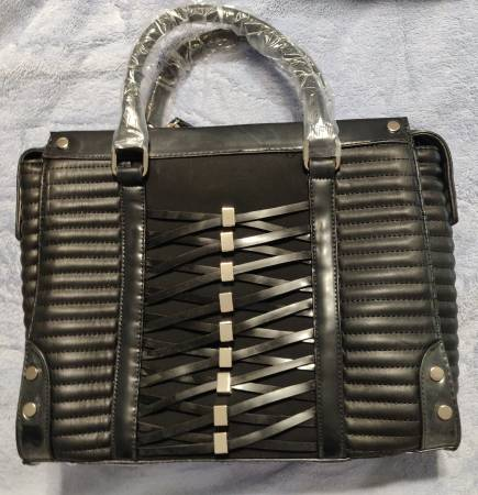 Photo New and wrapped large black leather ribbed and corseted tote purse - $35 (Cherry Hill)