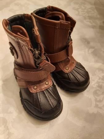 Photo POLO RALPH LAUREN boots toddler size 6 - $25 (Gibbstown)