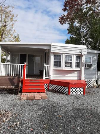 Photo Seasonal park model in gated park - $90,000 (Grasonville, MD)