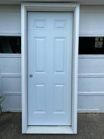 Photo Therma Tru Steel Exterior Door 32 x 80 inches with 6-58quot jambs - $225 (Berlin, NJ)