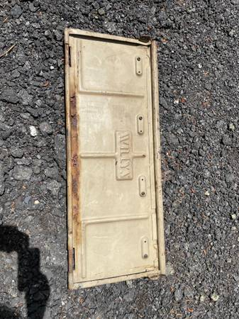 Photo Vintage Willys Jeep tailgate - $100 (Chatsworth)