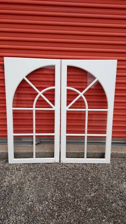 Photo WHITE GLASS FRONT KITCHEN CABINET DOORS - $100 (GALLOWAY NJ)