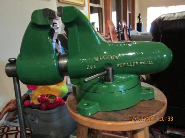 Photo Wilton  Vise - $700 (millville)