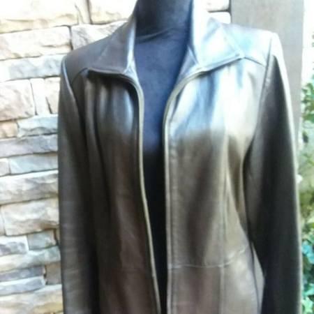 Photo Women39s Leather Croft  Barrow Jacket SIze S - $15 (Erial, NJ)