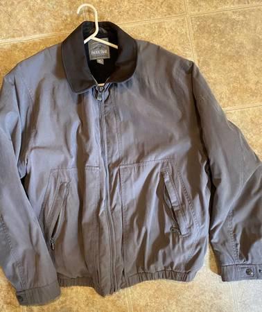 Photo fall  winter coats - $1 (Carneys Point)