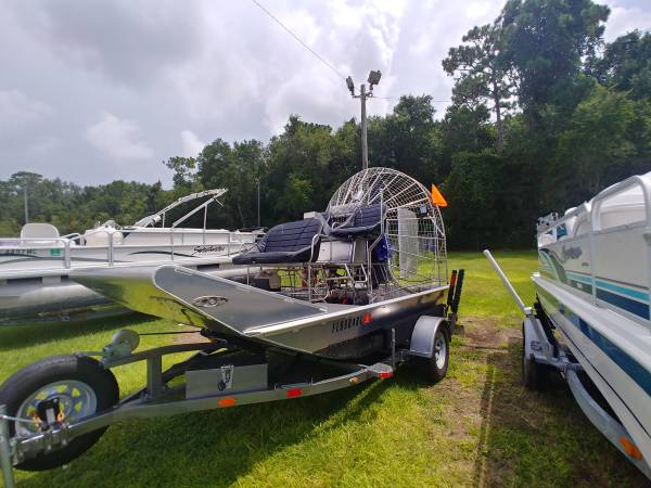 Photo 1239 Alum airboat - $25500 (Crystal River)