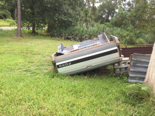 Photo 1993 ford f150 xL ext cab parting out (Palm Bay ( calls only leave a message ))