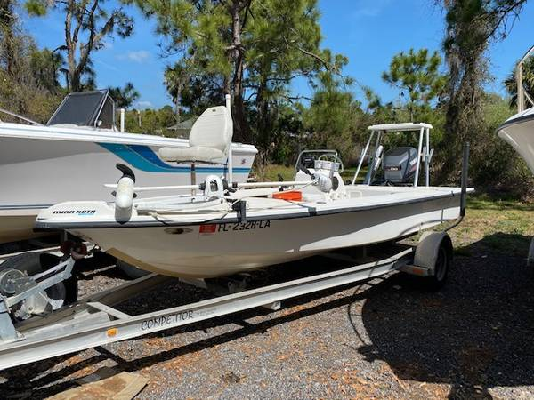 Photo 2000 Flats and Bay 18x8391quot Flats boat Mint Yamaha 130 with 103 hrs - $9900 (Oak Hill)
