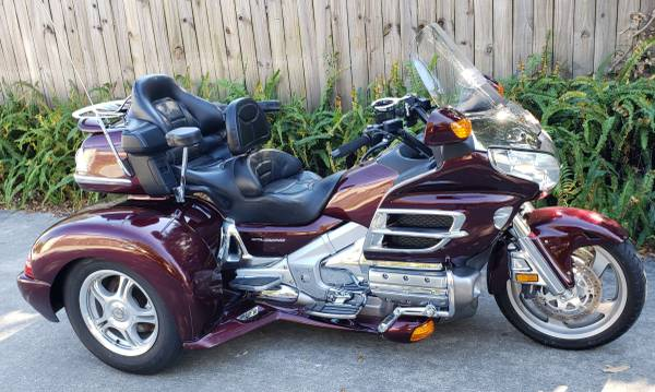 Photo 2006 Honda Goldwing gl1800 trike with LOW miles - $18,900 (Cocoa)
