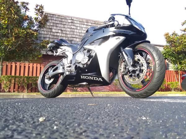 Photo 2007 Honda CBR 600RR - $4,600 (West Melbourne)