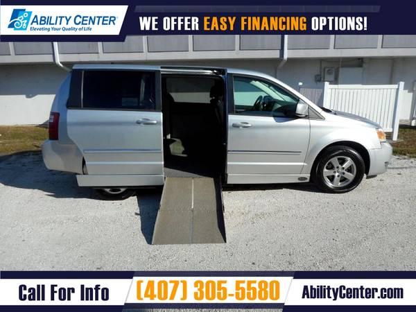 Photo 2008 Dodge Grand Caravan Wheelchair Van Handicap Van - $16,900 (4401 Edgewater Drive, Orlando, FL 32804)