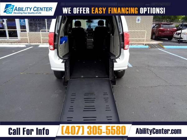 Photo 2018 Dodge Grand Caravan Wheelchair Van Handicap Van - $34,900 (4401 Edgewater Drive, Orlando, FL 32804)