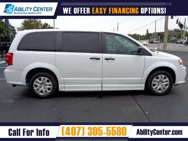 Photo 2019 Dodge Grand Caravan Wheelchair Van Handicap Van - $43,900 (4401 Edgewater Drive, Orlando, FL 32804)