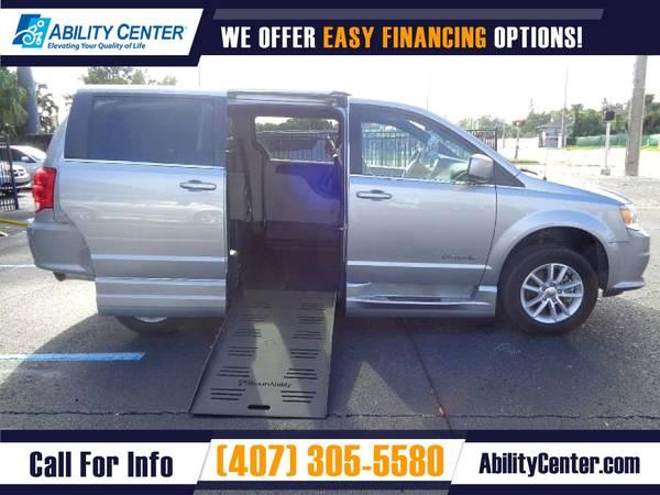 Photo 2019 Dodge Grand Caravan Wheelchair Van Handicap Van - $39,900 (4401 Edgewater Drive, Orlando, FL 32804)