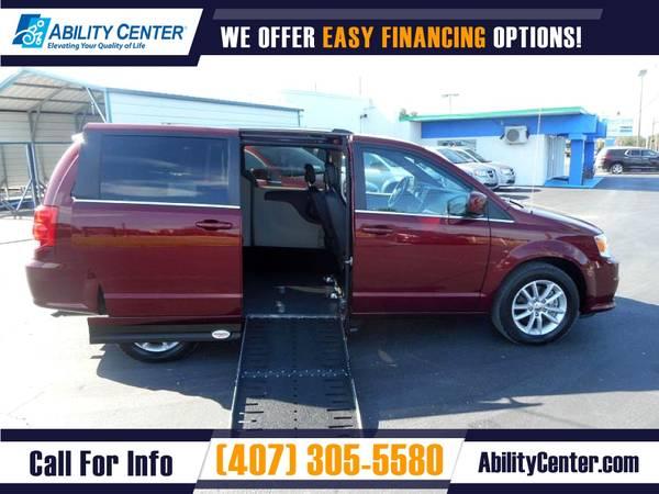 Photo 2019 Dodge Grand Caravan Wheelchair Van Handicap Van - $38,900 (4401 Edgewater Drive, Orlando, FL 32804)