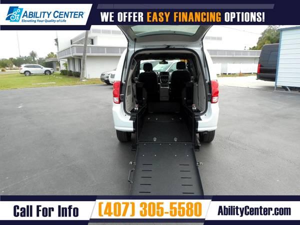Photo 2020 Dodge Grand Caravan Wheelchair Van Handicap Van - $38,900 (4401 Edgewater Drive, Orlando, FL 32804)
