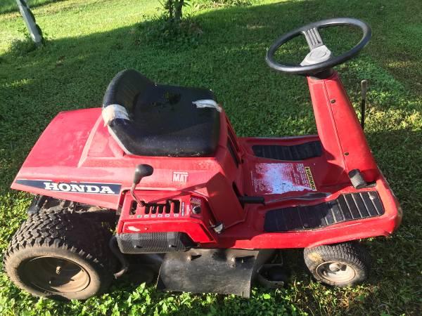 Photo 30 Honda riding mower - $700 (Titusville)