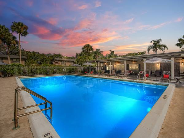 Photo BEAUTIFUL... ONE BEDROOM VILLA... AVAILABLE NOW (2420 Central Park Drive Melbourne, FL)