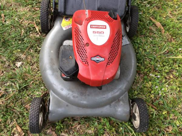 Photo Craftsman 21 inch 5.5 H.P. lawnmower with bag - $40 (West Melbourne)