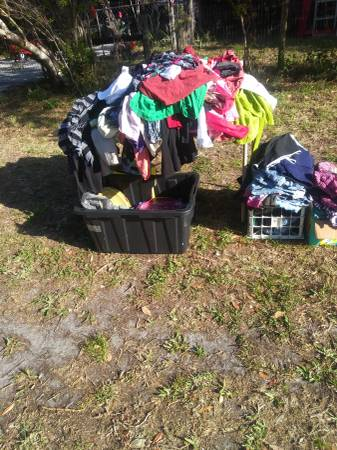 Photo Curb alert free stuff (Palm Bay)