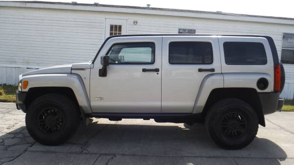 Photo EON AUTO 07 HUMMER H-3 4X4 FINANCING AVAILABLE $1995 DOWN - $1995 (PORT ST JOHN)