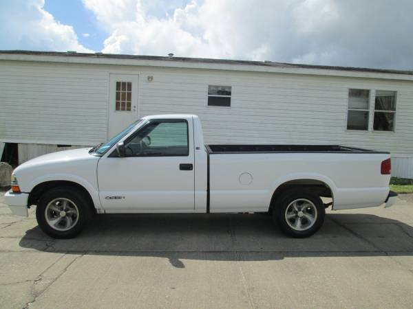 Photo EON AUTO CHEVROLET S-10 LONG BED TRUCK LOW LOW MILES FINANCE WITH $995 - $995 (Cocoa)