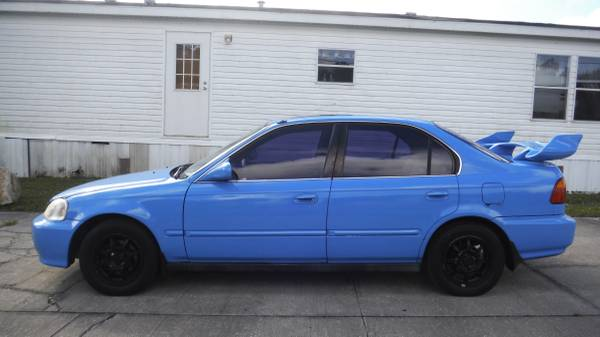 Photo EON AUTO FAST AND FURIOUS HONDA CIVIC 5-SPEED CASH SPECIAL $1995 - $1995 (PORT ST JOHN)