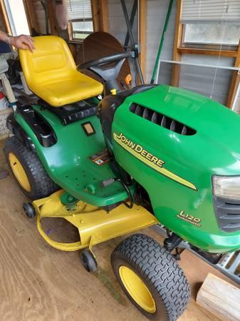 Photo John Deere lawn mower - $1,000 (Palm Bay)