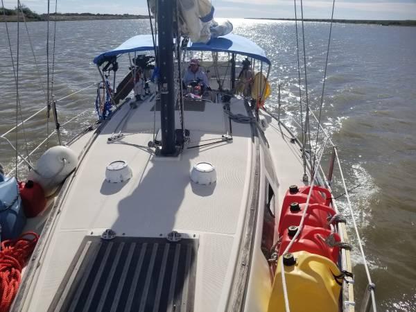 Photo Liveaboard sailboat ready to go Back to the Exumas - $25000 (Merritt island, fl)