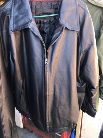 Photo Mens XL St. Johns Bay leather jacket coat - $55 (Titusville)