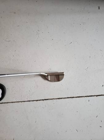 Photo ODYSSEY WHITE HOT 9 PUTTER RIGHT HANDED STOCK STEEL SHAFT 35INCH STO - $85