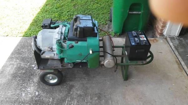 Photo Onan 4000 watt generator - $350 (Melbourne)