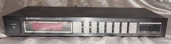 Photo Pioneer Gr-860 graphic equalizer - $60 (port st john)