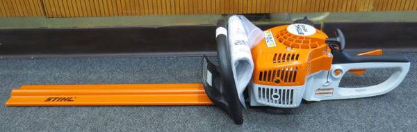 Photo Stihl HS45 Gas Hedge Trimmer - $300 (Cocoa)