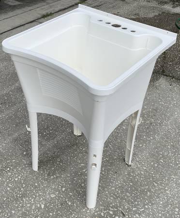 Photo Utility Sink - $35 (Titusville)