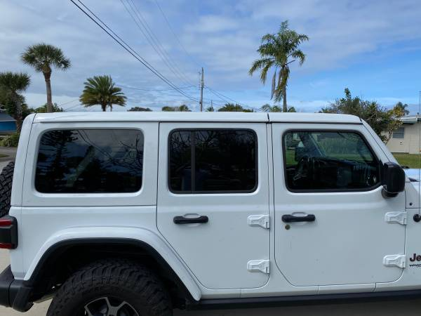 Photo White Jeep Hardtop (JL 2019 4d) - $2900 (Cocoa Beach)