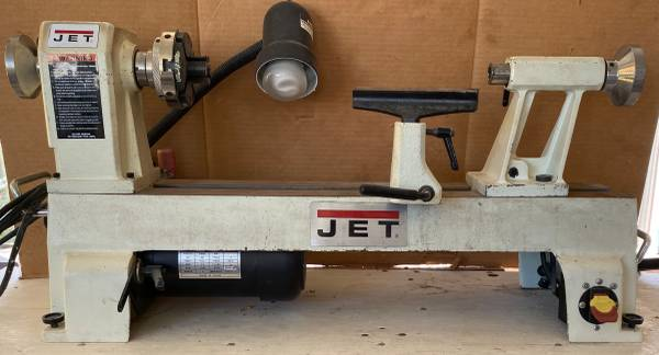 Photo Wood Lathe Complete System, JET 1220VS Lathe, Dust Collector, Chisels - $1,300 (Cocoa)