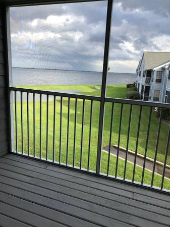 Photo looking for a roommate to share a condo in port st john (Cococa)