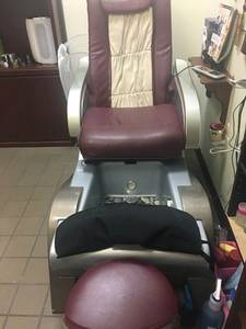 Photo pedicure Chair w Massage - $175 (Palm Bay)