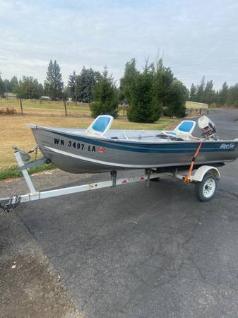 Photo 13 foot aluminum fishing boat for sale - $1,800 (Marshall)