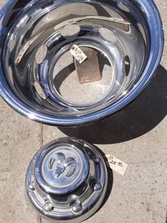 Photo 2002 Dodge dually rear beauty ring - $50 (N spokane)