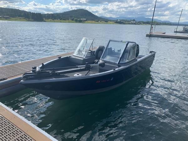 Photo 2017 Crestliner Fish Hawk Boat - $19,500 (Deer Park)